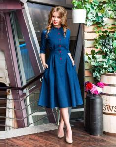 79ad92bdbb2 Главная B W Джинсовое платье с красными пуговицами